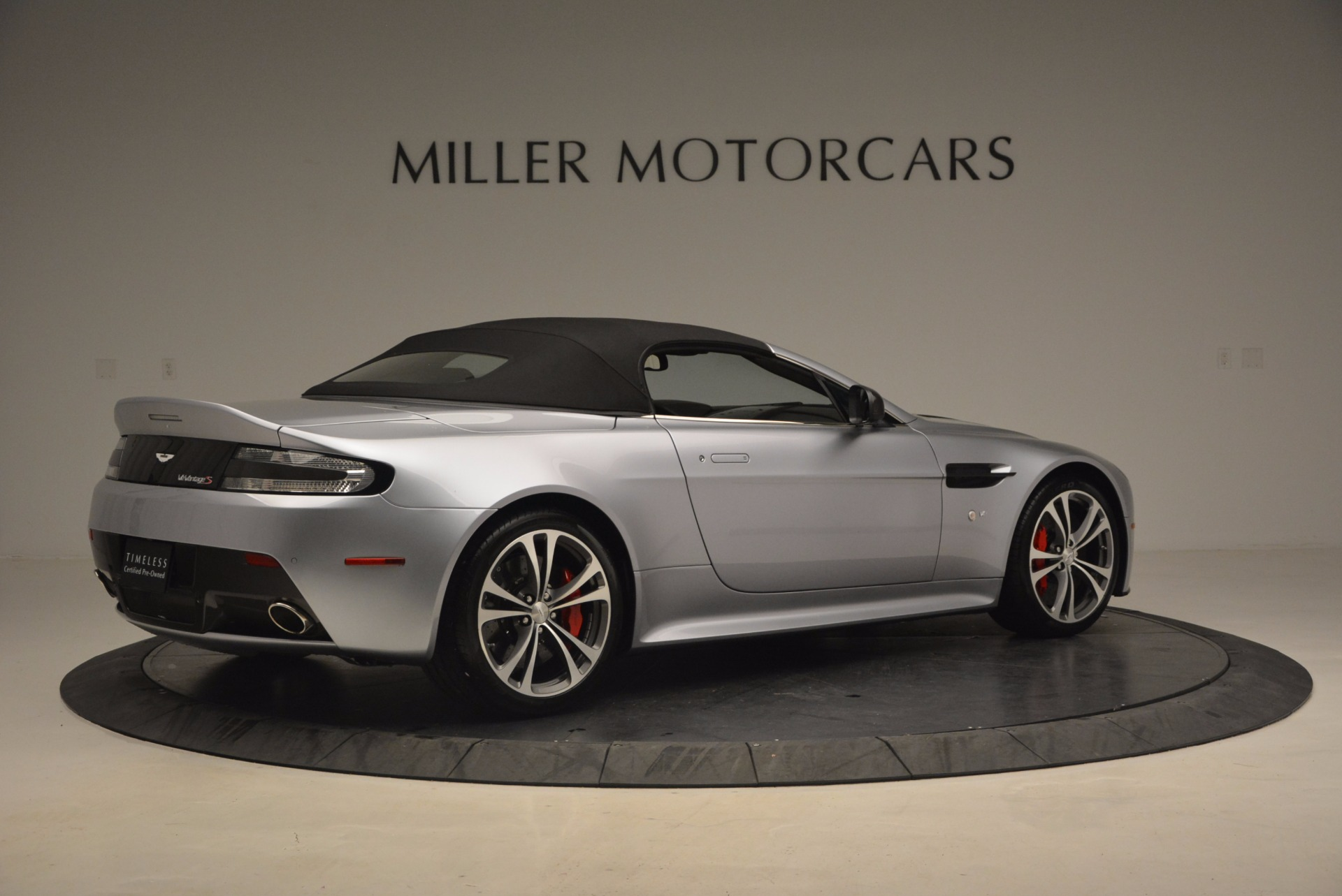 Used 2015 Aston Martin V12 Vantage S Roadster | Greenwich, CT