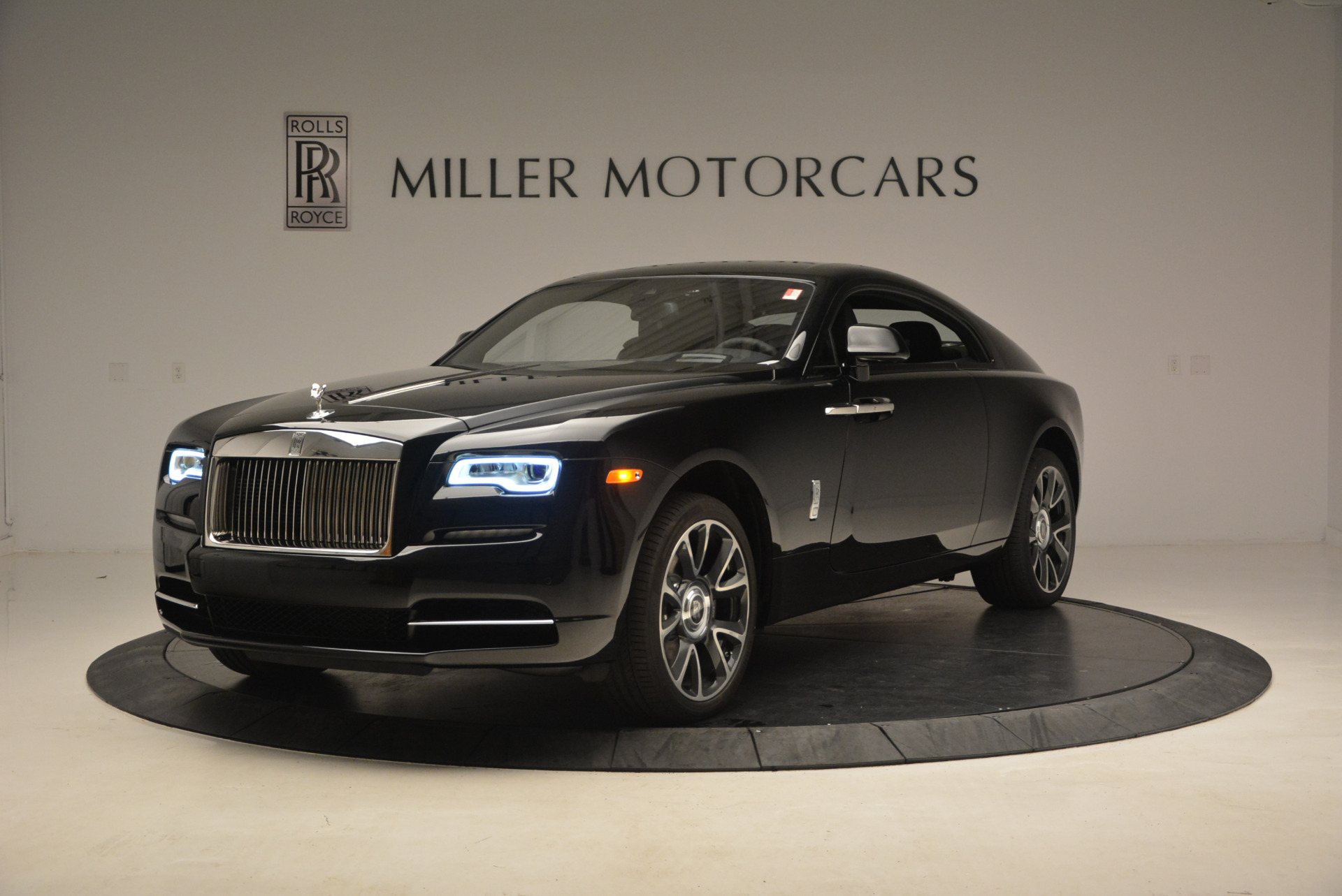 100 rolls royce cullinan price red rolls royce for Wallpaper rolls for sale