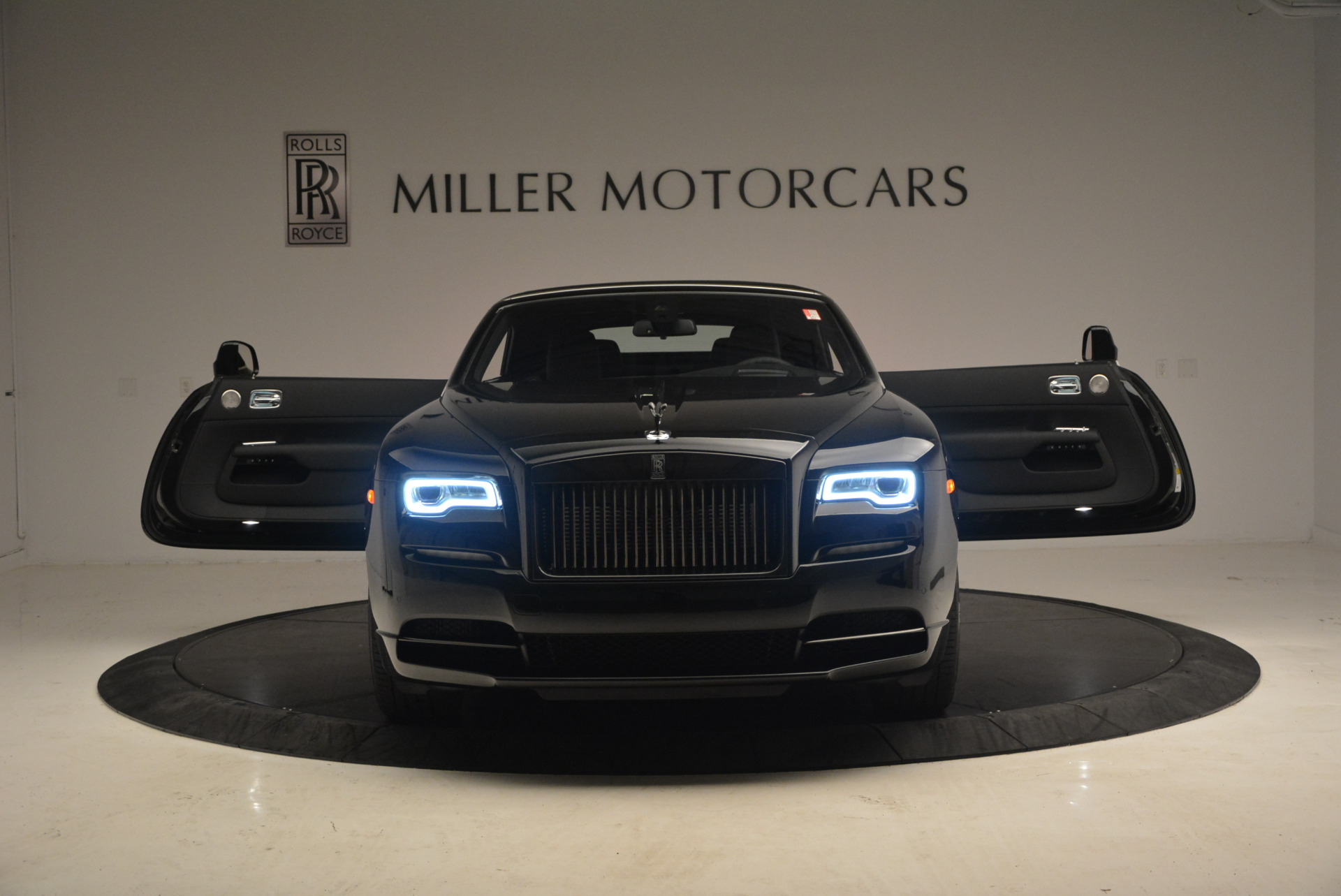 New 2018 Rolls-Royce Dawn Black Badge | Greenwich, CT