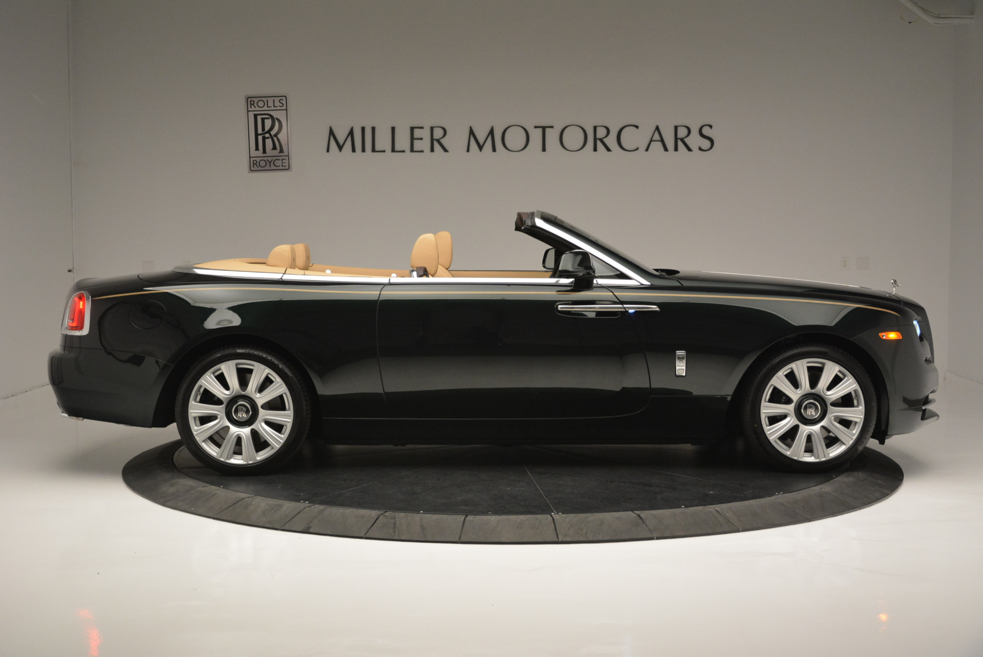 Used 2018 Rolls-Royce Dawn  | Greenwich, CT