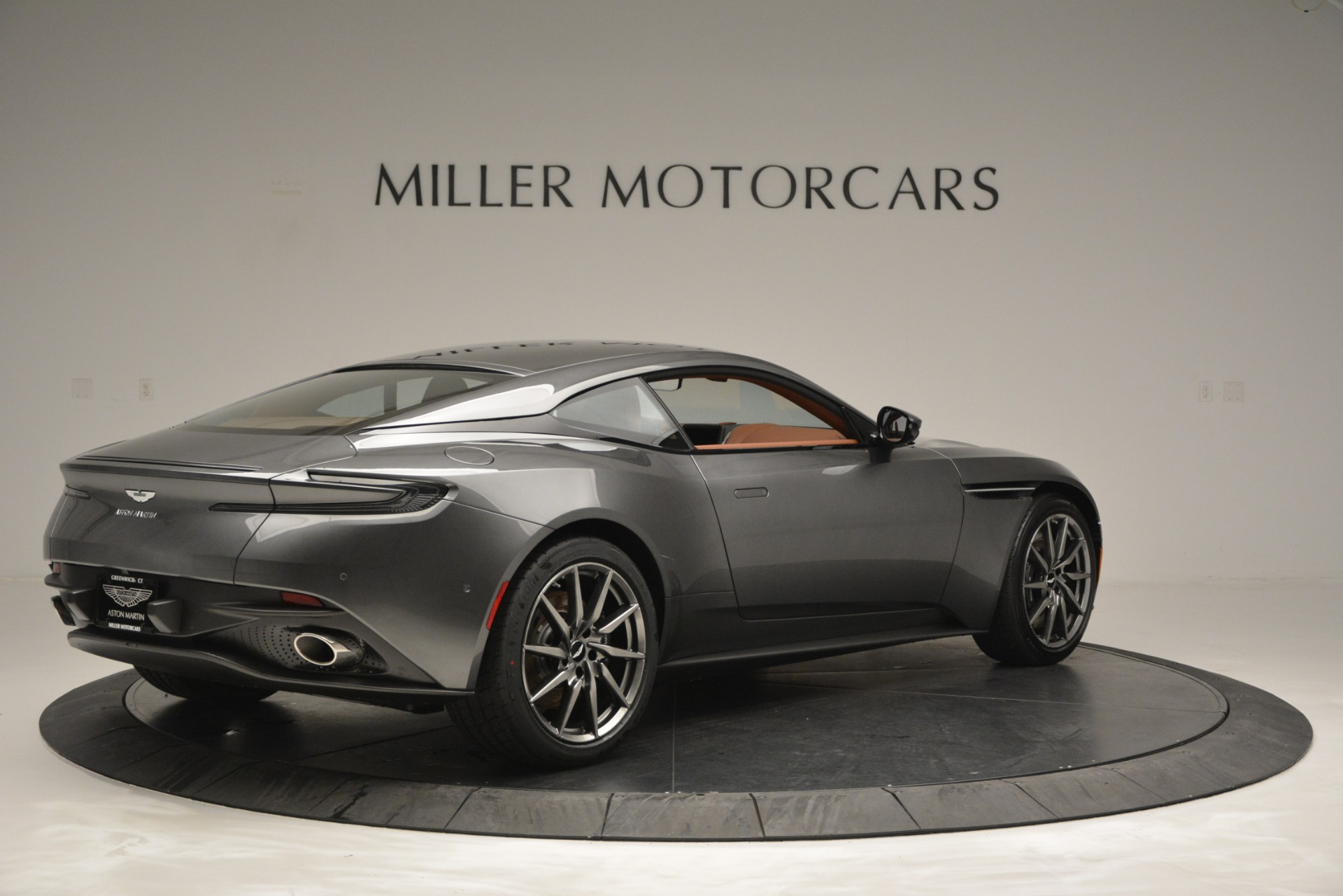 New 2019 Aston Martin DB11 V8 Coupe | Greenwich, CT
