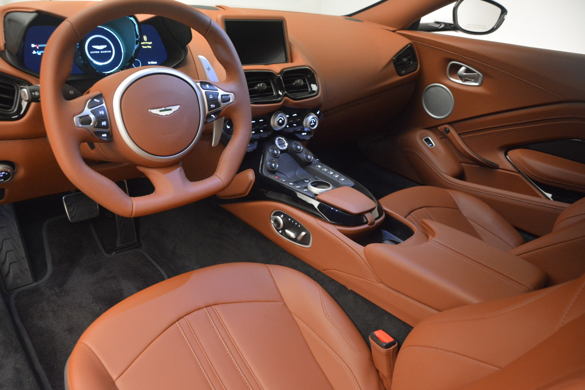 New 2019 Aston Martin Vantage Coupe | Greenwich, CT