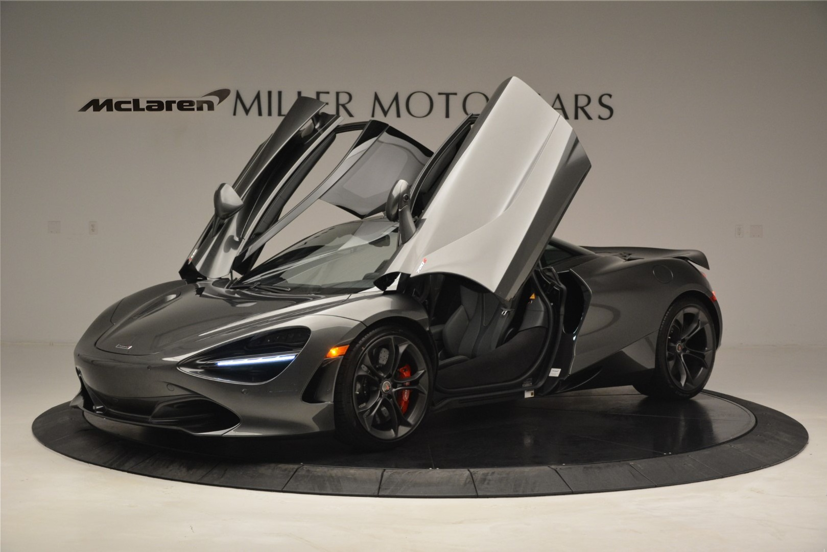 Used 2018 McLaren 720S Coupe | Greenwich, CT