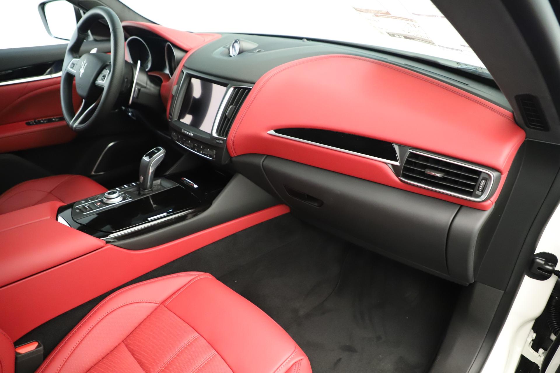 New 2019 Maserati Levante Q4 GranSport Nerissimo | Greenwich, CT