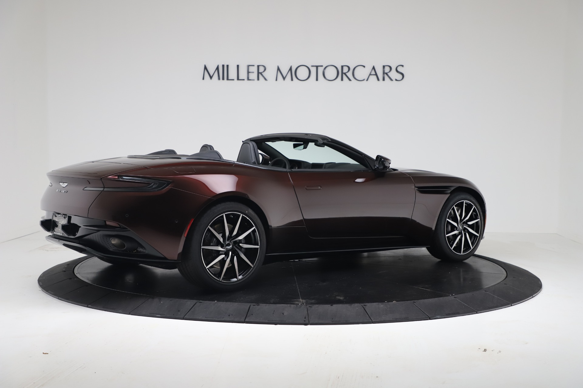 New 2020 Aston Martin DB11 V8 | Greenwich, CT