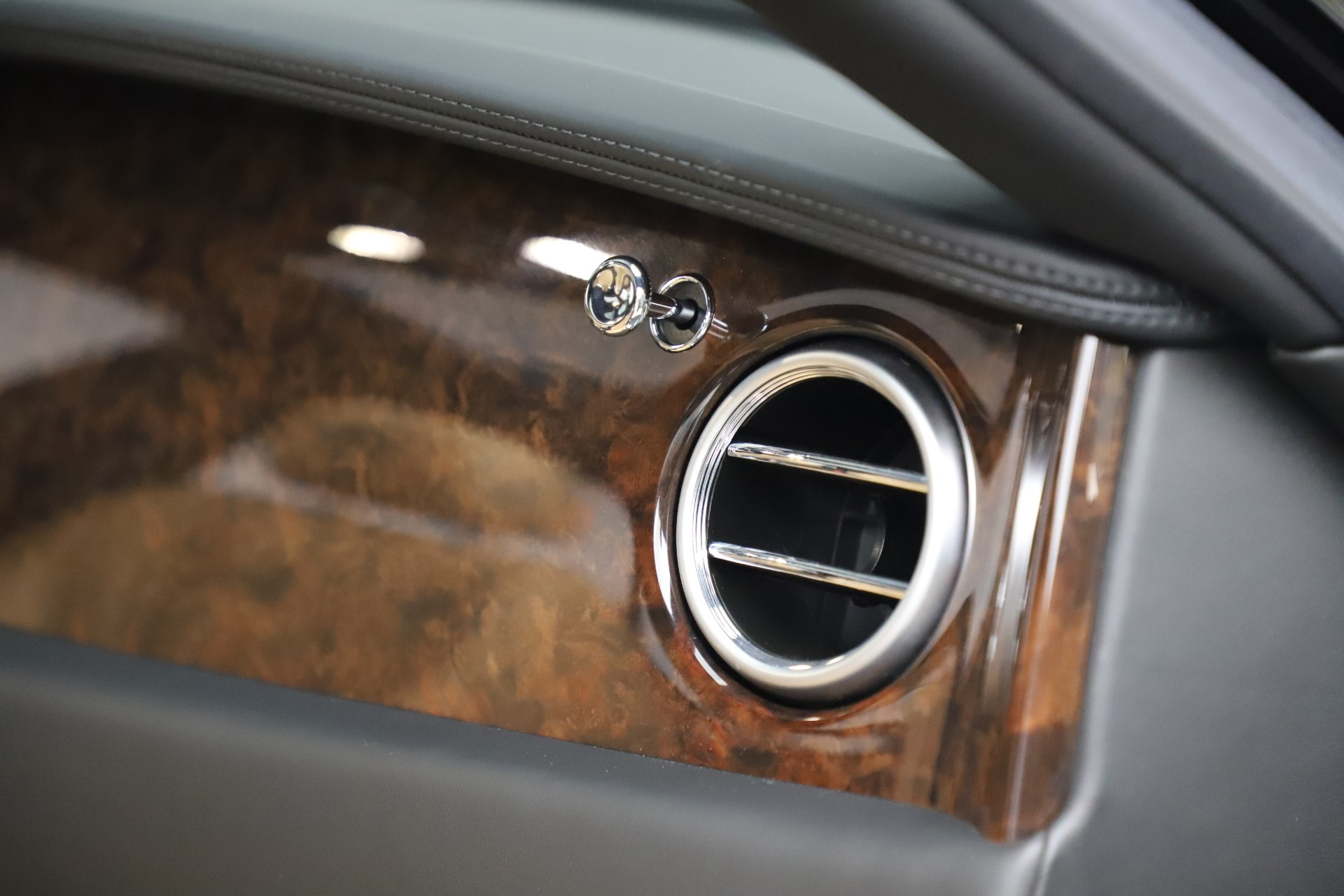 Used 2016 Bentley Flying Spur V8   Greenwich, CT