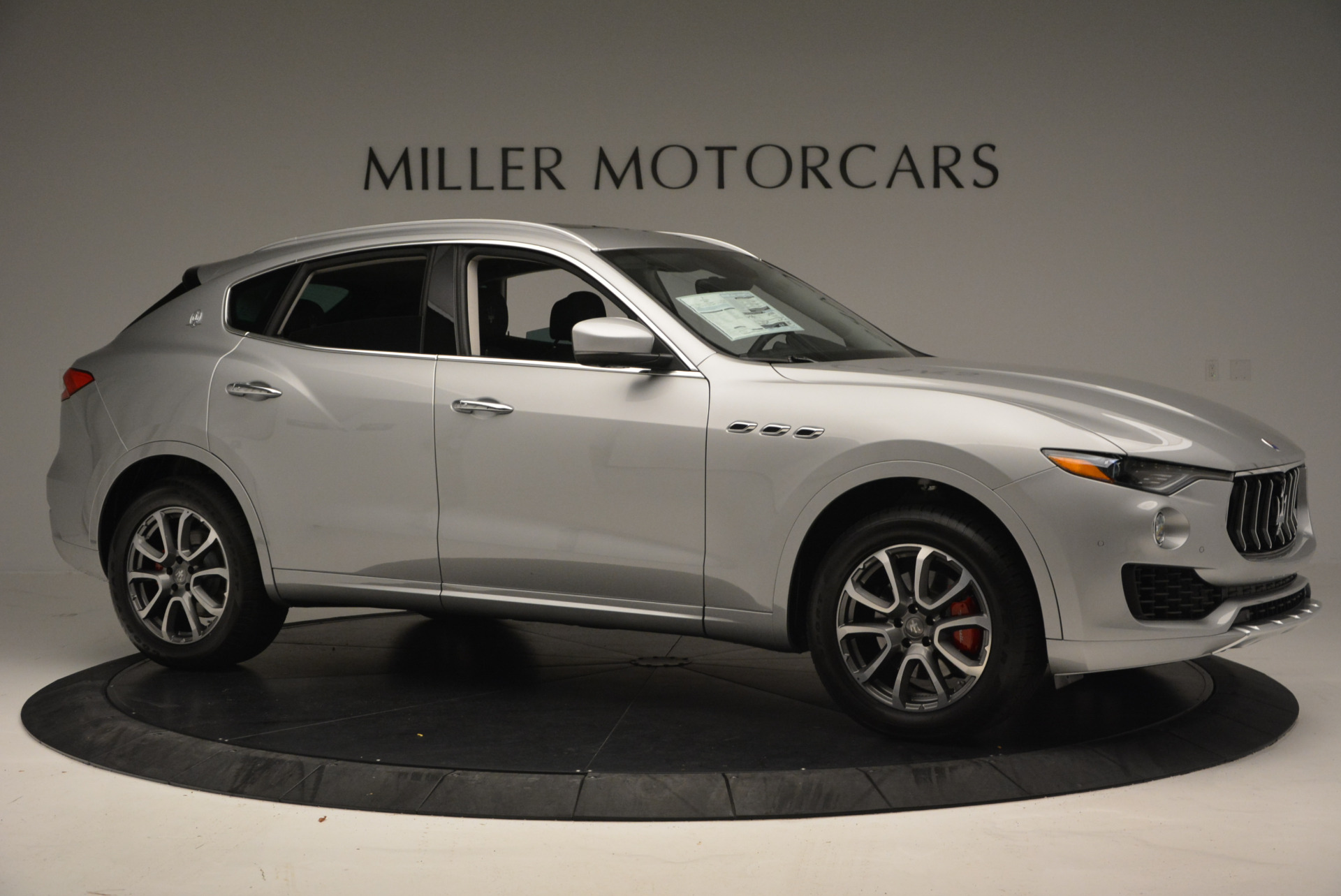 New 2017 Maserati Levante 350hp | Greenwich, CT