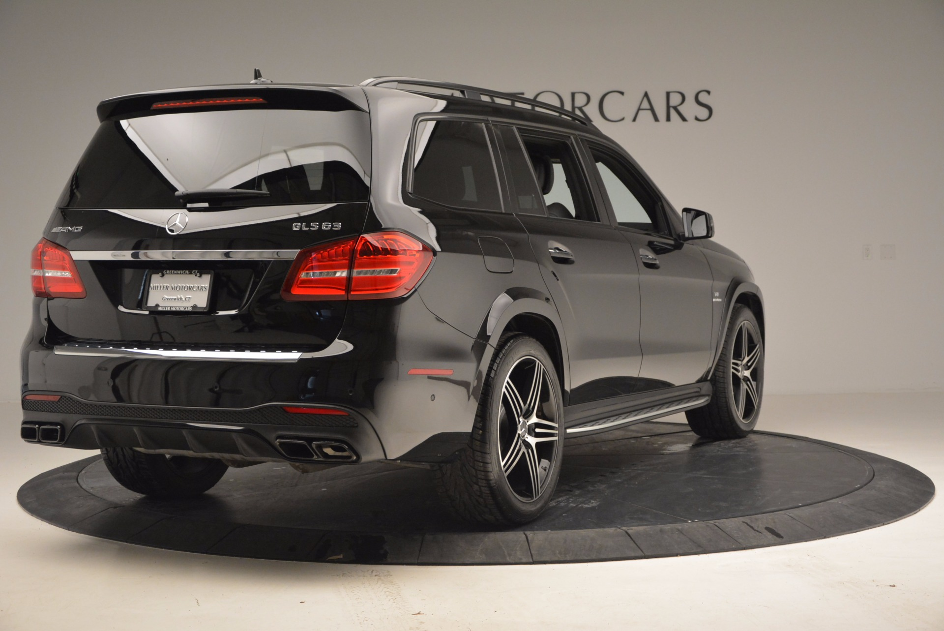 Used 2017 mercedes benz gls 63 amg greenwich ct for Mercedes benz dealers in ct