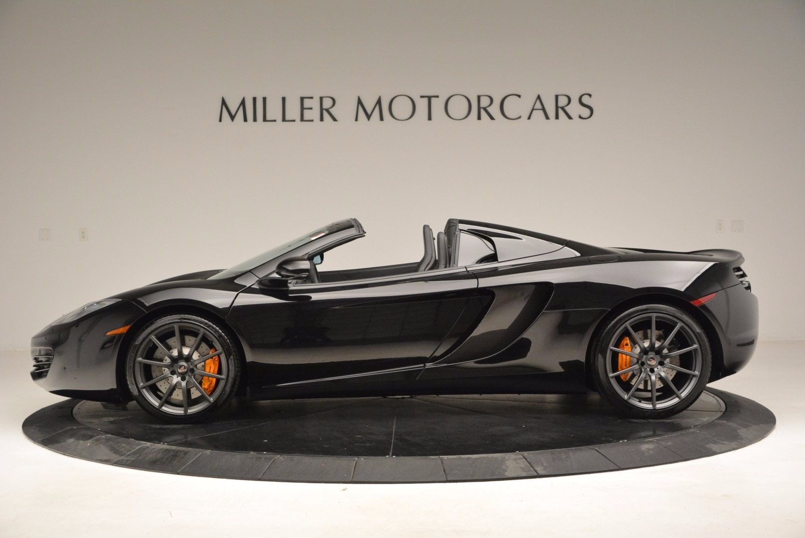 Used 2013 McLaren 12C Spider  | Greenwich, CT