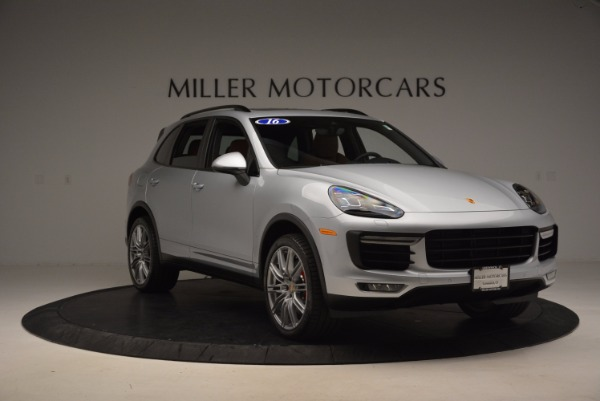 Used 2016 Porsche Cayenne Turbo for sale Sold at Rolls-Royce Motor Cars Greenwich in Greenwich CT 06830 11