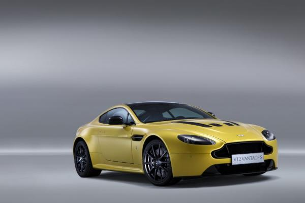 New 2017 Aston Martin V12 Vantage S for sale Sold at Rolls-Royce Motor Cars Greenwich in Greenwich CT 06830 3
