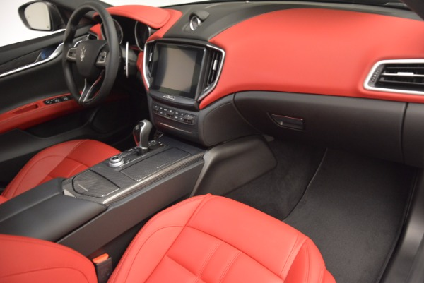 New 2017 Maserati Ghibli SQ4 for sale Sold at Rolls-Royce Motor Cars Greenwich in Greenwich CT 06830 26