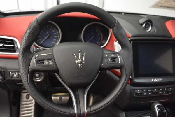 Used 2017 Maserati Ghibli S Q4 for sale $42,900 at Rolls-Royce Motor Cars Greenwich in Greenwich CT 06830 12