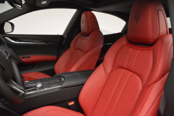Used 2017 Maserati Ghibli S Q4 for sale $42,900 at Rolls-Royce Motor Cars Greenwich in Greenwich CT 06830 16