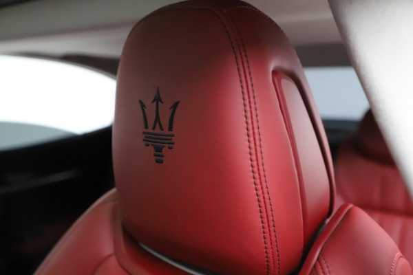 Used 2017 Maserati Ghibli S Q4 for sale $42,900 at Rolls-Royce Motor Cars Greenwich in Greenwich CT 06830 17