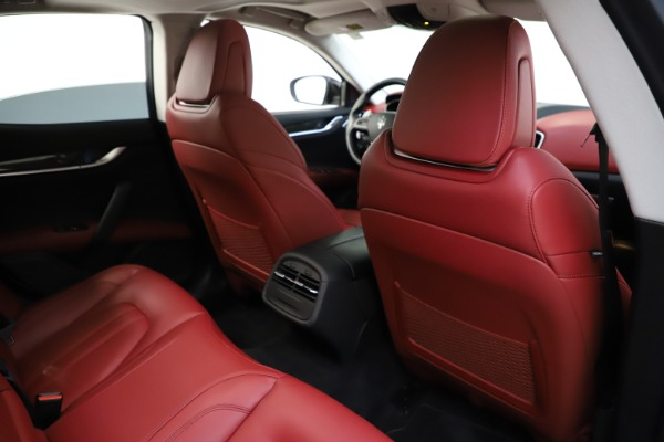 Used 2017 Maserati Ghibli S Q4 for sale $42,900 at Rolls-Royce Motor Cars Greenwich in Greenwich CT 06830 26