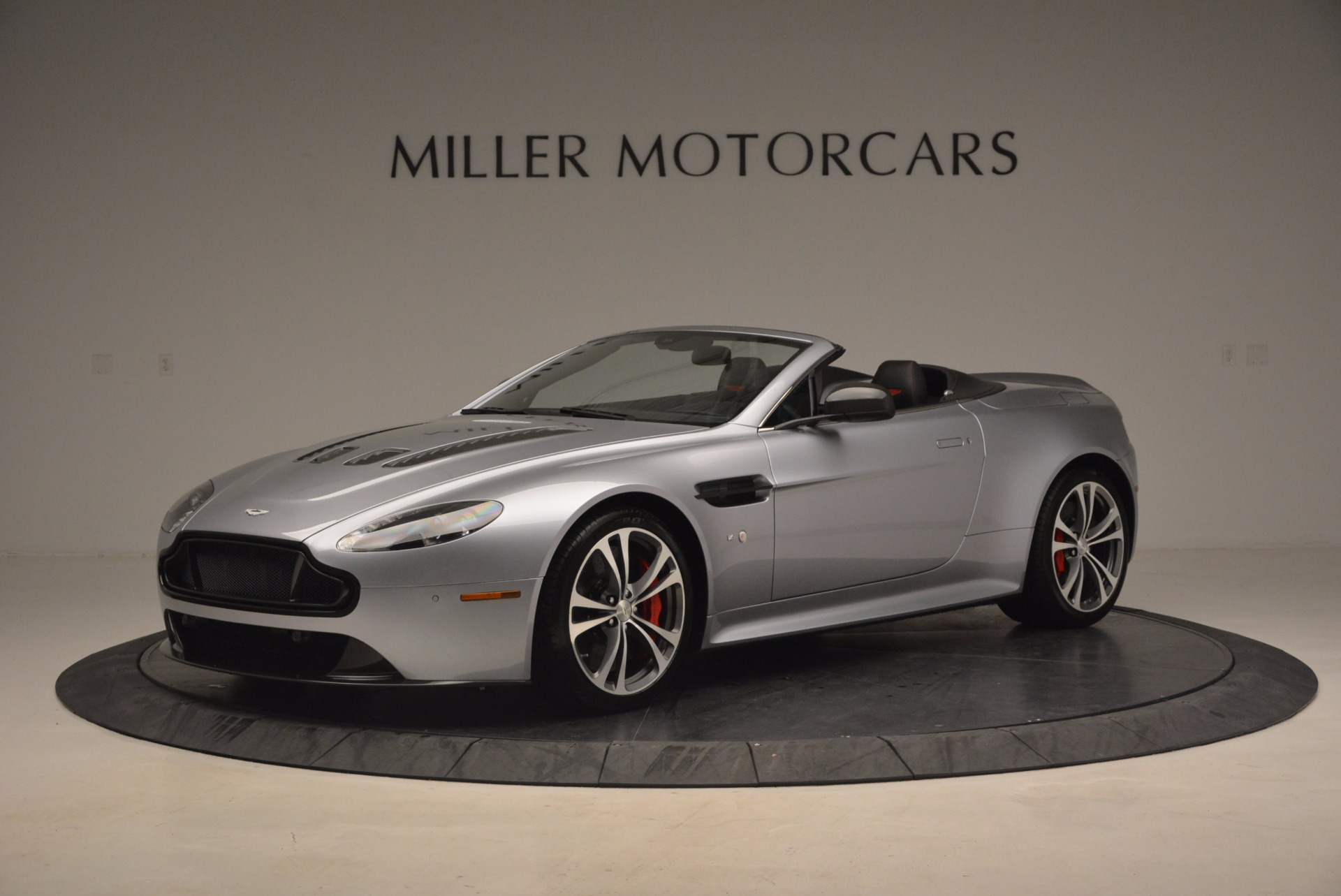 Used 2015 Aston Martin V12 Vantage S Roadster for sale Sold at Rolls-Royce Motor Cars Greenwich in Greenwich CT 06830 1