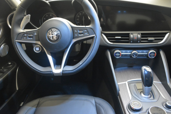 New 2017 Alfa Romeo Giulia Ti Q4 for sale Sold at Rolls-Royce Motor Cars Greenwich in Greenwich CT 06830 20