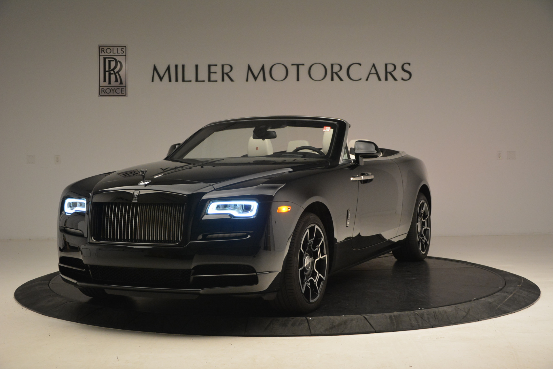 Used 2018 Rolls-Royce Dawn Black Badge for sale Call for price at Rolls-Royce Motor Cars Greenwich in Greenwich CT 06830 1