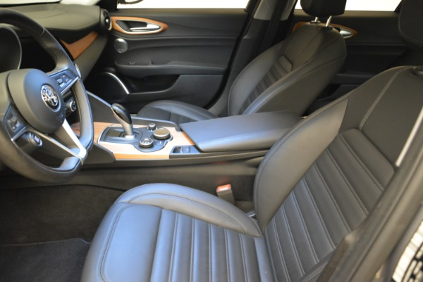 New 2017 Alfa Romeo Giulia Ti Lusso Q4 for sale Sold at Rolls-Royce Motor Cars Greenwich in Greenwich CT 06830 14