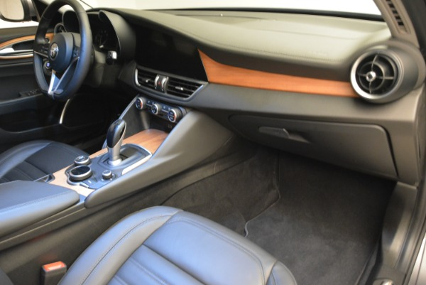 New 2017 Alfa Romeo Giulia Ti Lusso Q4 for sale Sold at Rolls-Royce Motor Cars Greenwich in Greenwich CT 06830 19