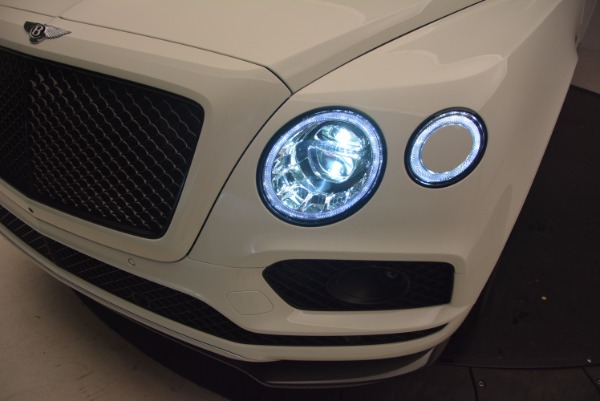 Used 2018 Bentley Bentayga Black Edition for sale Sold at Rolls-Royce Motor Cars Greenwich in Greenwich CT 06830 17
