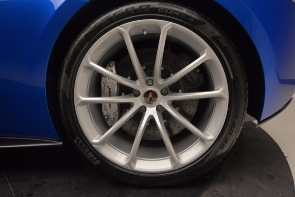 Used 2018 McLaren 570S Spider for sale Call for price at Rolls-Royce Motor Cars Greenwich in Greenwich CT 06830 25