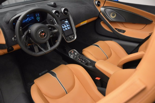 Used 2018 McLaren 570S Spider for sale Call for price at Rolls-Royce Motor Cars Greenwich in Greenwich CT 06830 26