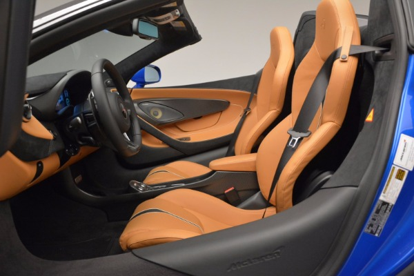 Used 2018 McLaren 570S Spider for sale Call for price at Rolls-Royce Motor Cars Greenwich in Greenwich CT 06830 27