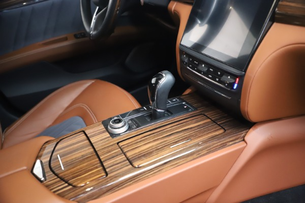 Used 2017 Maserati Quattroporte SQ4 GranLusso/ Zegna for sale $62,900 at Rolls-Royce Motor Cars Greenwich in Greenwich CT 06830 22