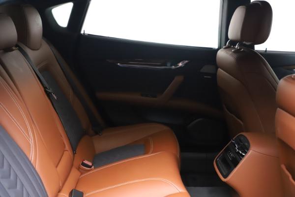 New 2017 Maserati Quattroporte SQ4 GranLusso/ Zegna for sale Sold at Rolls-Royce Motor Cars Greenwich in Greenwich CT 06830 23