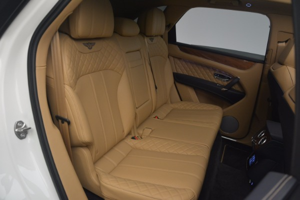 New 2018 Bentley Bentayga W12 Signature for sale Sold at Rolls-Royce Motor Cars Greenwich in Greenwich CT 06830 25