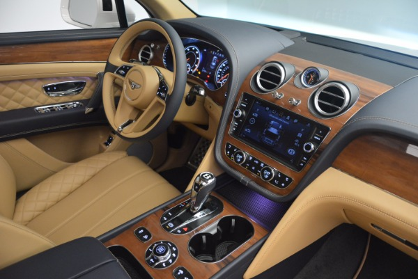 New 2018 Bentley Bentayga W12 Signature for sale Sold at Rolls-Royce Motor Cars Greenwich in Greenwich CT 06830 28