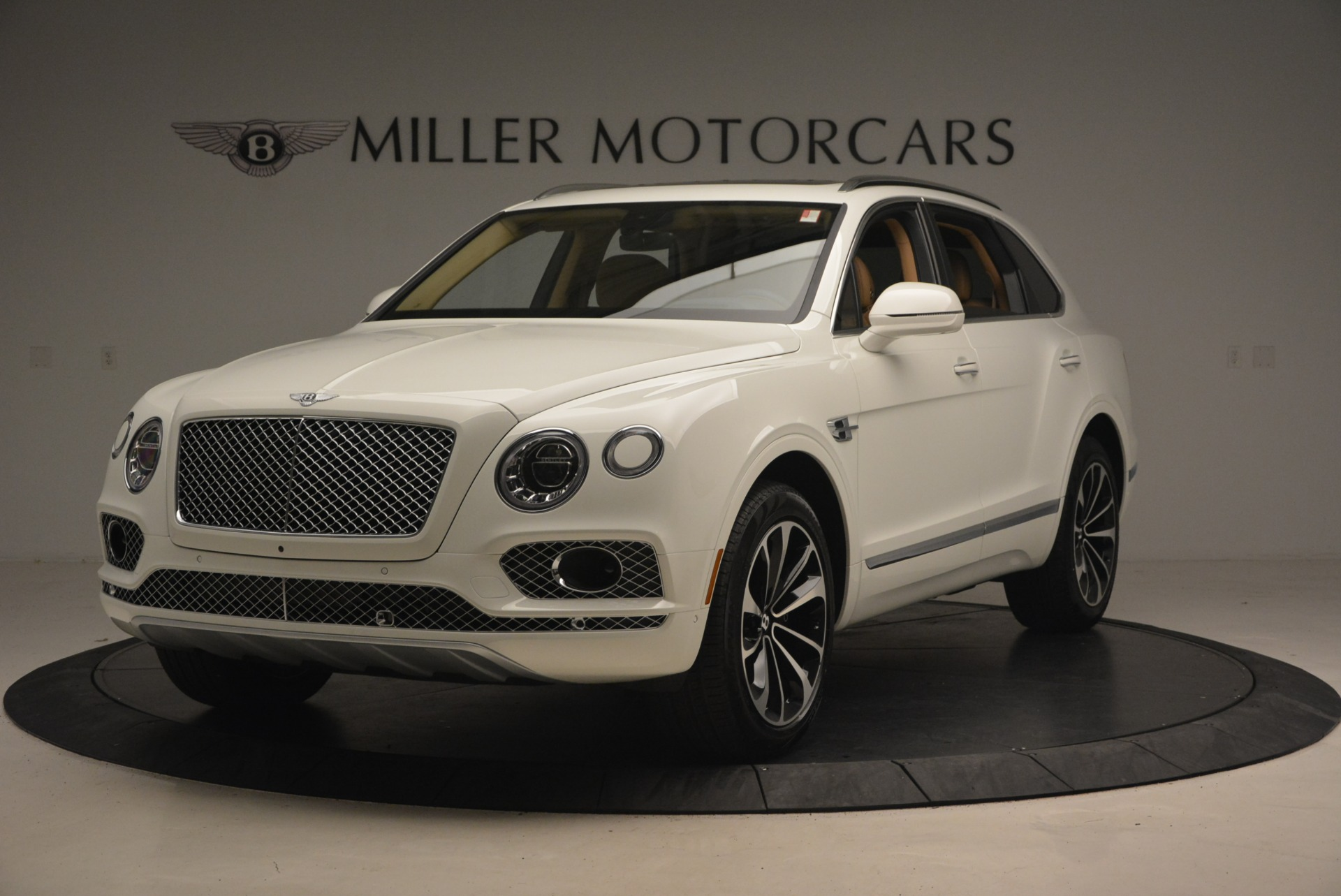 New 2018 Bentley Bentayga W12 Signature for sale Sold at Rolls-Royce Motor Cars Greenwich in Greenwich CT 06830 1