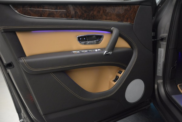 New 2018 Bentley Bentayga Activity Edition-Now with seating for 7!!! for sale Sold at Rolls-Royce Motor Cars Greenwich in Greenwich CT 06830 23