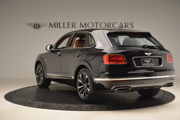Used 2018 Bentley Bentayga Onyx Edition for sale $147,900 at Rolls-Royce Motor Cars Greenwich in Greenwich CT 06830 5