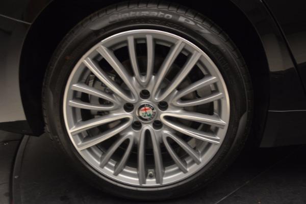 New 2017 Alfa Romeo Giulia Ti Lusso Q4 for sale Sold at Rolls-Royce Motor Cars Greenwich in Greenwich CT 06830 25