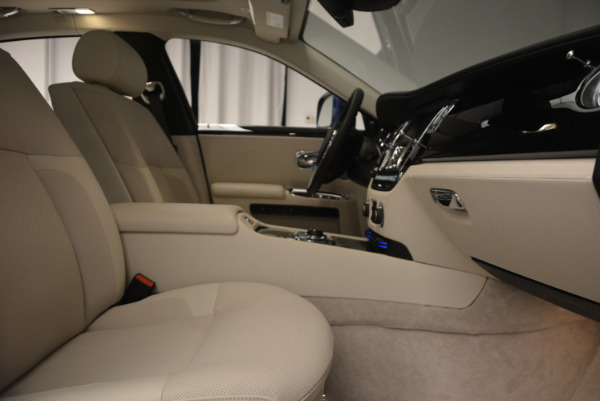 Used 2010 Rolls-Royce Ghost for sale $119,900 at Rolls-Royce Motor Cars Greenwich in Greenwich CT 06830 21