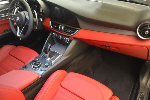 New 2017 Alfa Romeo Giulia Ti Sport Q4 for sale Sold at Rolls-Royce Motor Cars Greenwich in Greenwich CT 06830 19
