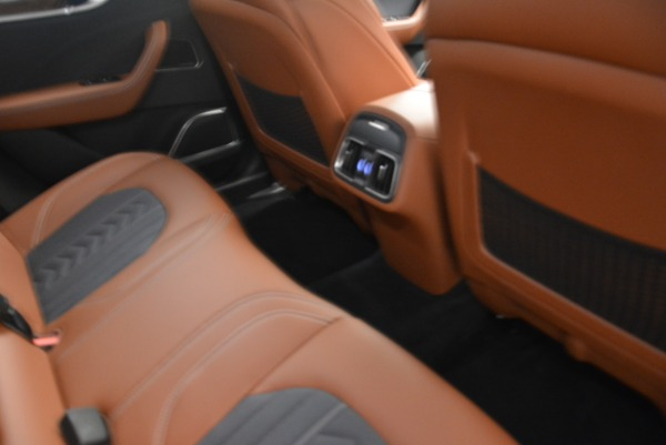 New 2018 Maserati Levante Q4 GranLusso for sale Sold at Rolls-Royce Motor Cars Greenwich in Greenwich CT 06830 20