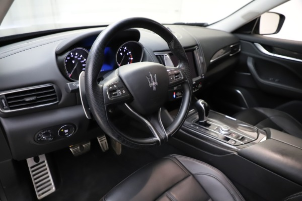 Used 2018 Maserati Levante SQ4 GranSport for sale $55,900 at Rolls-Royce Motor Cars Greenwich in Greenwich CT 06830 13