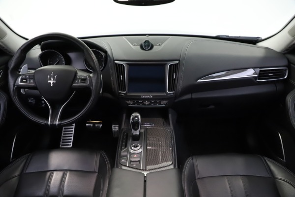 Used 2018 Maserati Levante SQ4 GranSport for sale $55,900 at Rolls-Royce Motor Cars Greenwich in Greenwich CT 06830 16
