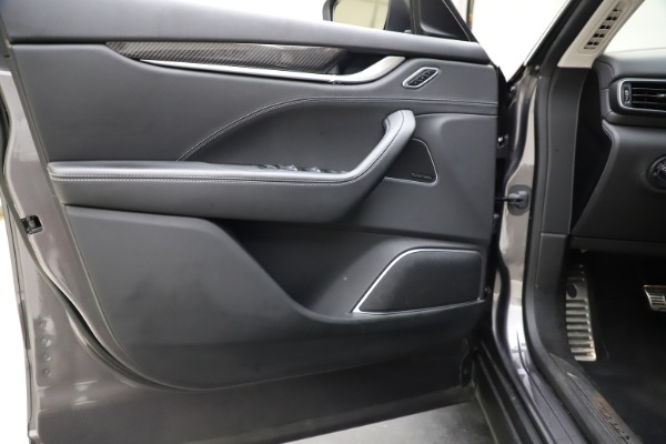 Used 2018 Maserati Levante SQ4 GranSport for sale $55,900 at Rolls-Royce Motor Cars Greenwich in Greenwich CT 06830 17