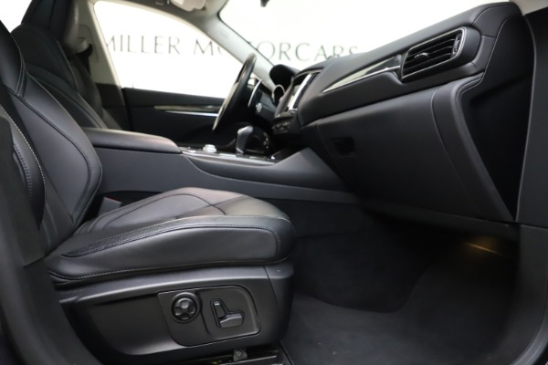 Used 2018 Maserati Levante SQ4 GranSport for sale $55,900 at Rolls-Royce Motor Cars Greenwich in Greenwich CT 06830 23
