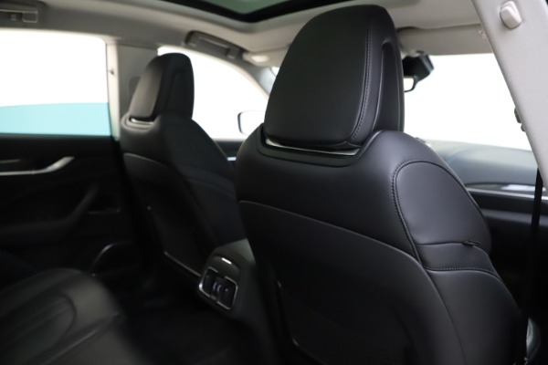 Used 2018 Maserati Levante SQ4 GranSport for sale $55,900 at Rolls-Royce Motor Cars Greenwich in Greenwich CT 06830 28