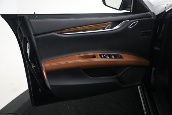 New 2018 Maserati Ghibli S Q4 GranLusso for sale Sold at Rolls-Royce Motor Cars Greenwich in Greenwich CT 06830 15