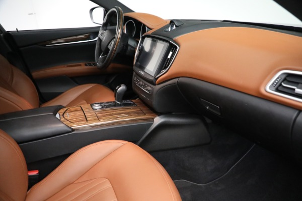 Used 2018 Maserati Ghibli S Q4 GranLusso for sale $56,900 at Rolls-Royce Motor Cars Greenwich in Greenwich CT 06830 20