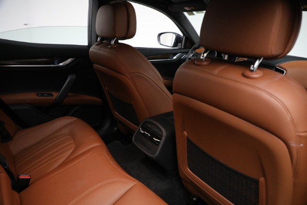New 2018 Maserati Ghibli S Q4 GranLusso for sale Sold at Rolls-Royce Motor Cars Greenwich in Greenwich CT 06830 23