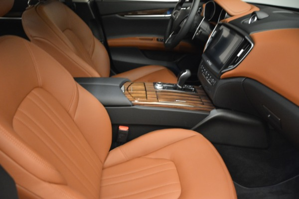 Used 2018 Maserati Ghibli S Q4 for sale $49,900 at Rolls-Royce Motor Cars Greenwich in Greenwich CT 06830 20