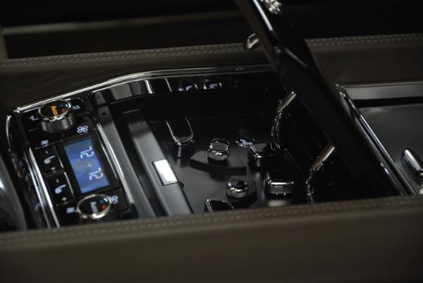 Used 2017 Bentley Mulsanne EWB for sale Sold at Rolls-Royce Motor Cars Greenwich in Greenwich CT 06830 23